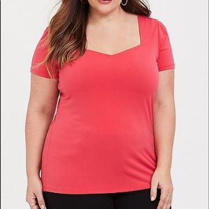 Nwt Torrid size 5 Hot Coral Crepe sweetheart Top